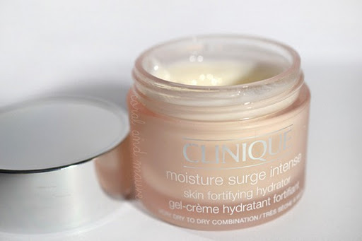 Clinique_Moisture_Surge_Intense_Skin_Fortifying_Hydrator_Review