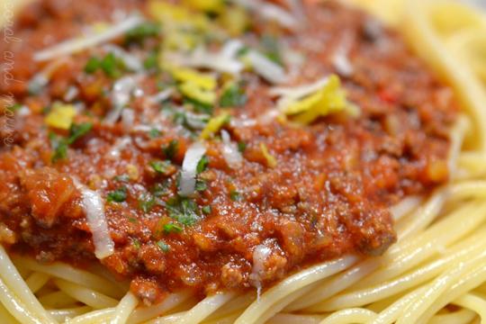 Spaghetti_Bolognese_a_la_Deli_Magazin_2