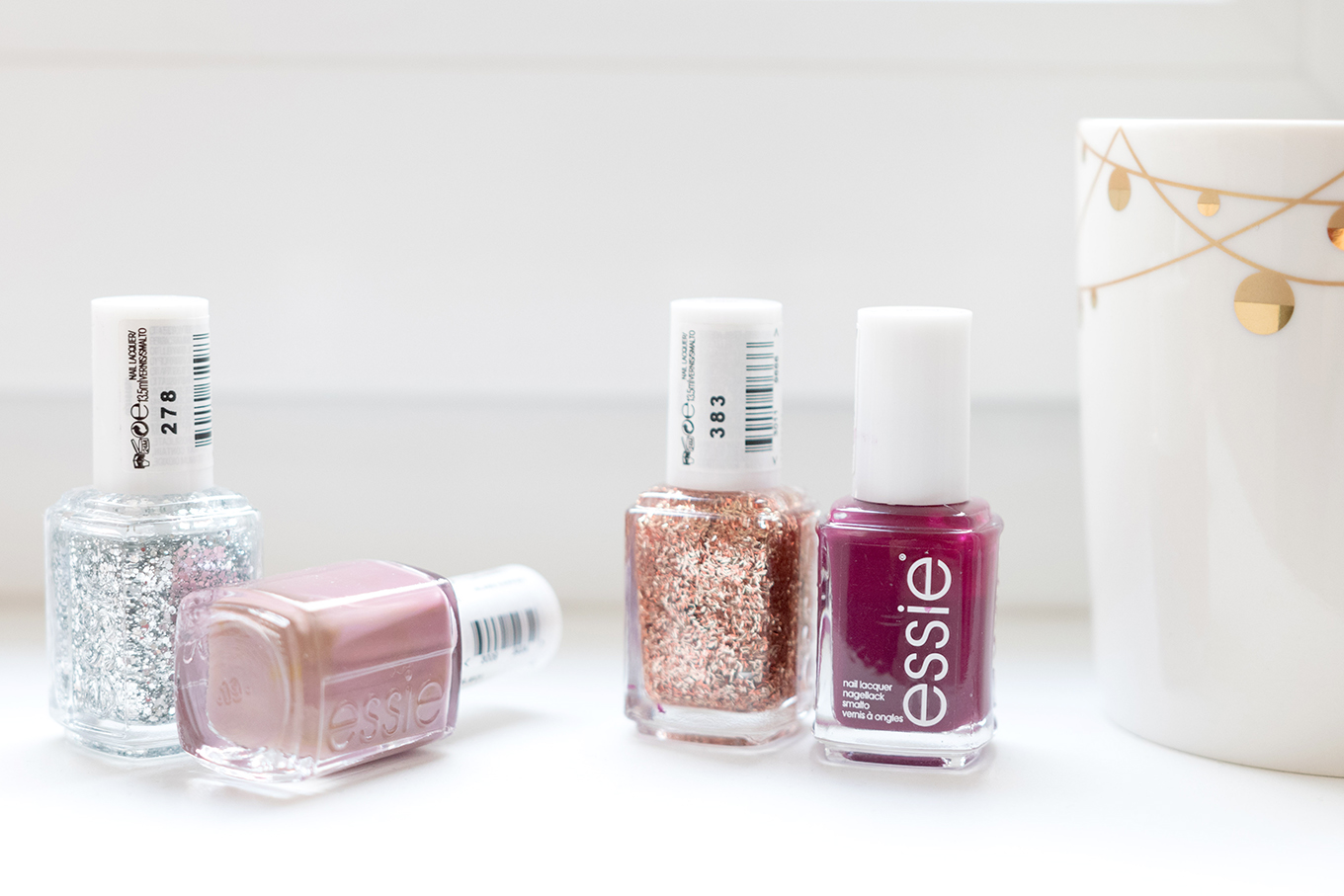 Blogging_under_the_mistletoe_412_essie_Gewinnspiel-7klein